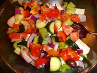 Jak udělat šopský salát