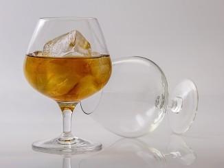 Co obsahuje sklenička alkoholu?