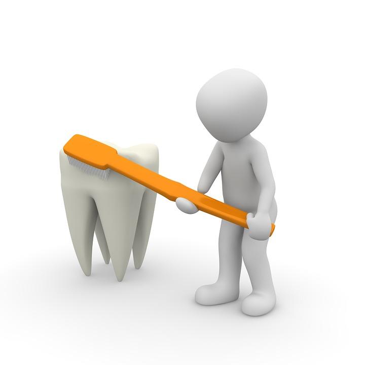 Jak si snadno vybělit zuby svépomocí?
