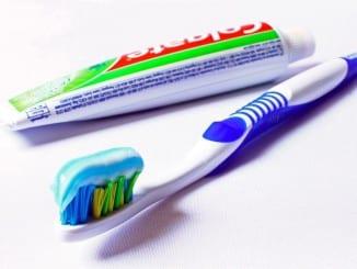 Jak lze použít zubní pastu?