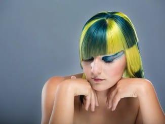 Jak obarvit vlasy pomocí bylinek?