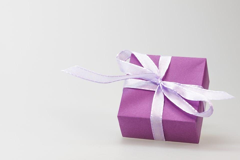 Co s nevhodným dárkem?