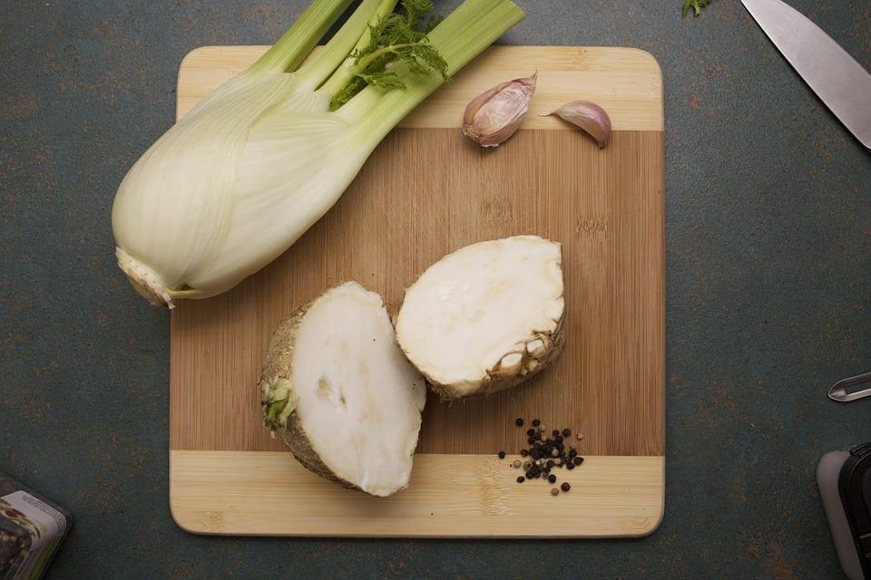 Jak udělat salát s fenyklem?