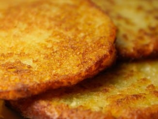 Jak udělat bramborové placky se škvarky?