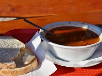 Jak udělat pikantní vepřový guláš?