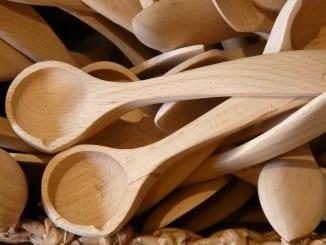 Jak na údržbu chlebovky a dřevěného nádobí?
