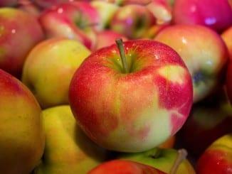 Jak udělat lehké dia jablečné řezy?
