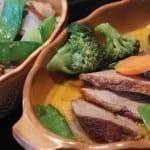 Dietní kuře pečené na talíři