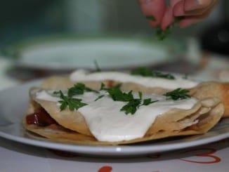 Jak udělat tortilly s pikantními fazolemi?
