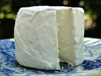 Jak udělat kozí sýr na mandlích?