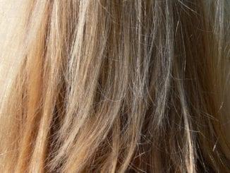Jaký střih je vhodný pro ženy s řídkými vlasy?
