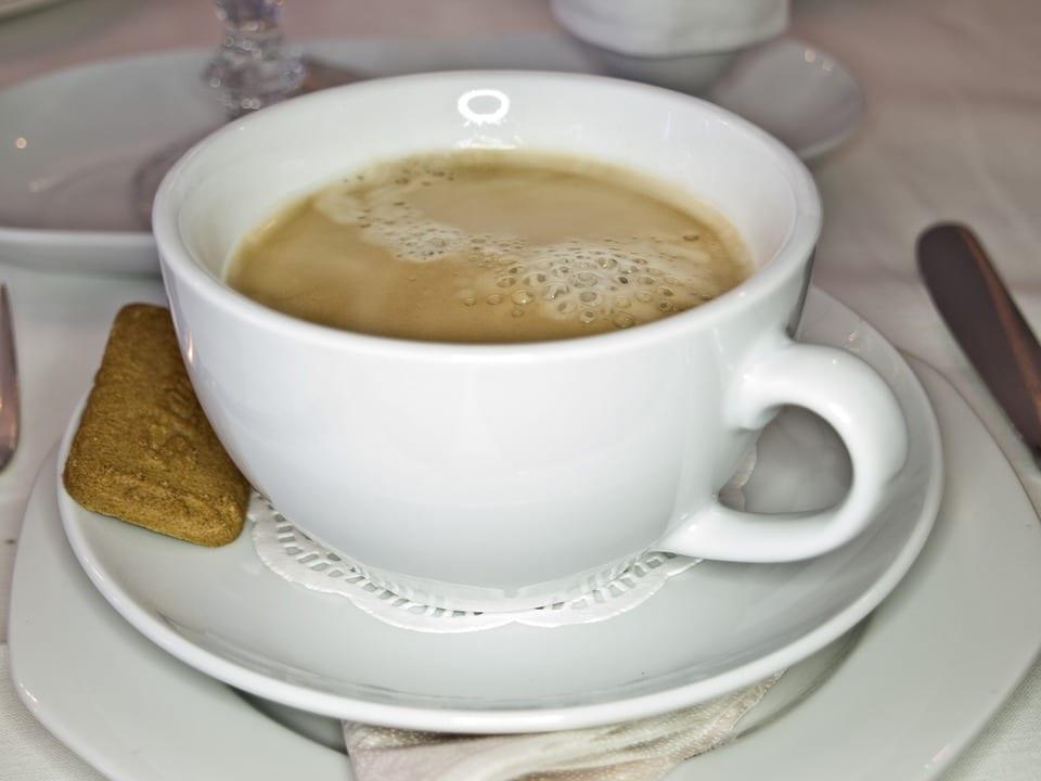 Proč nepít kávu s mlékem?