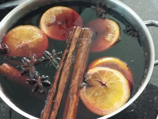 Jak připravit svařené víno s brusinkami?