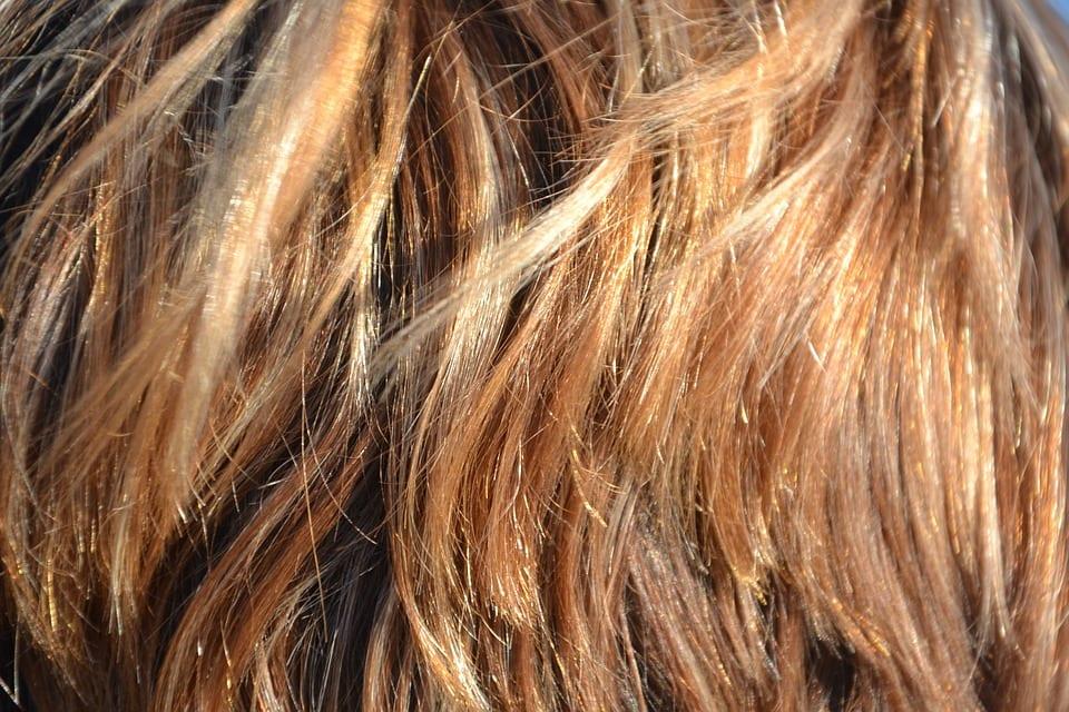 Co dělat, aby barva vlasů vydržela déle?