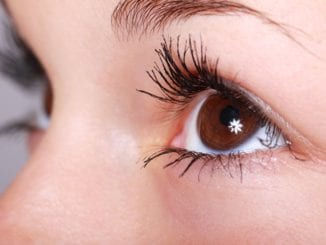Co způsobuje tik v oku?