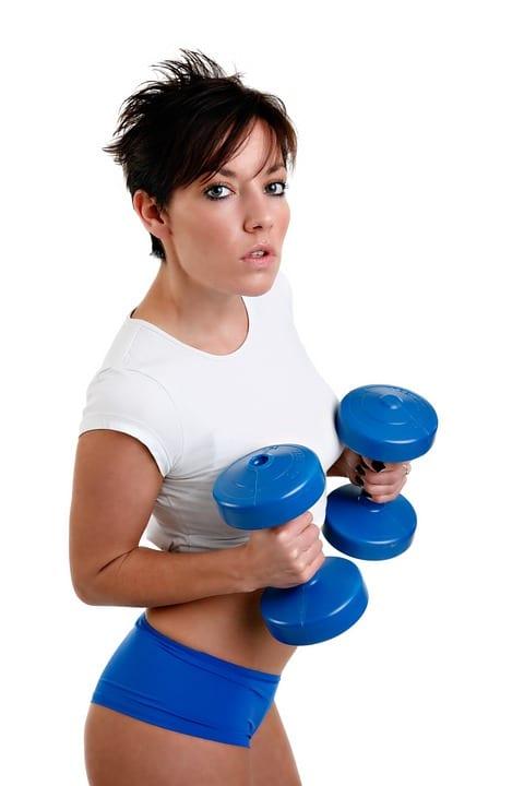 Jaké cviky pomohou zpevnit prsa?