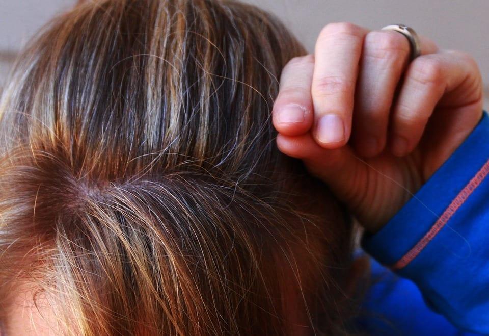 Jak pečovat o odbarvené vlasy?