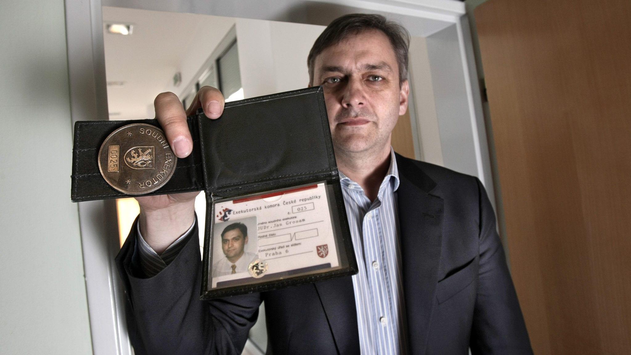 Exekutorský úřad nabízí pomoc věřitelům i dlužníkům