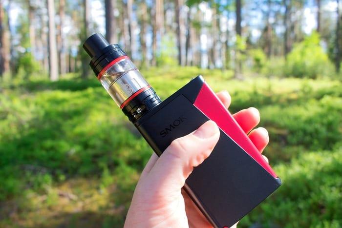Elektronické kouření: Bezpečná volba, nebo zdravotní riziko?