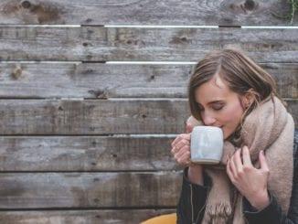 Co rychle pomůže na bolavý krk?