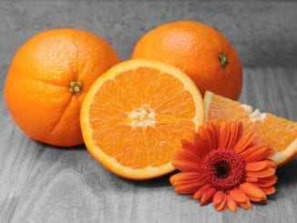 Jak vyrobit pomerančový čistič koupelen?
