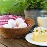 Které mléčné výrobky do mrazáku mohou a které ne?