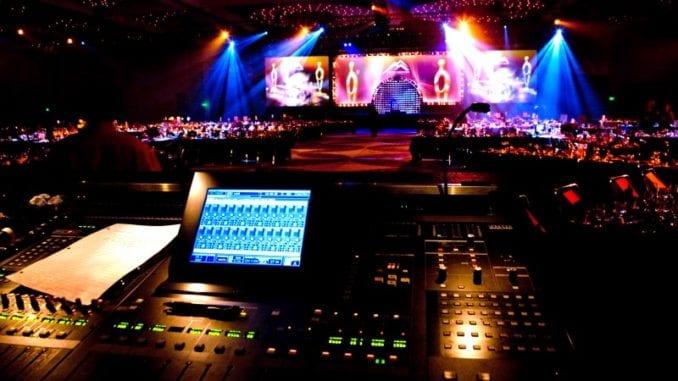 Hvězdy maturitního plesu? Zvuk, osvětlení a technické zajištění