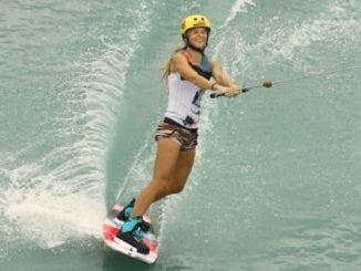 Oblečení na wakeboarding
