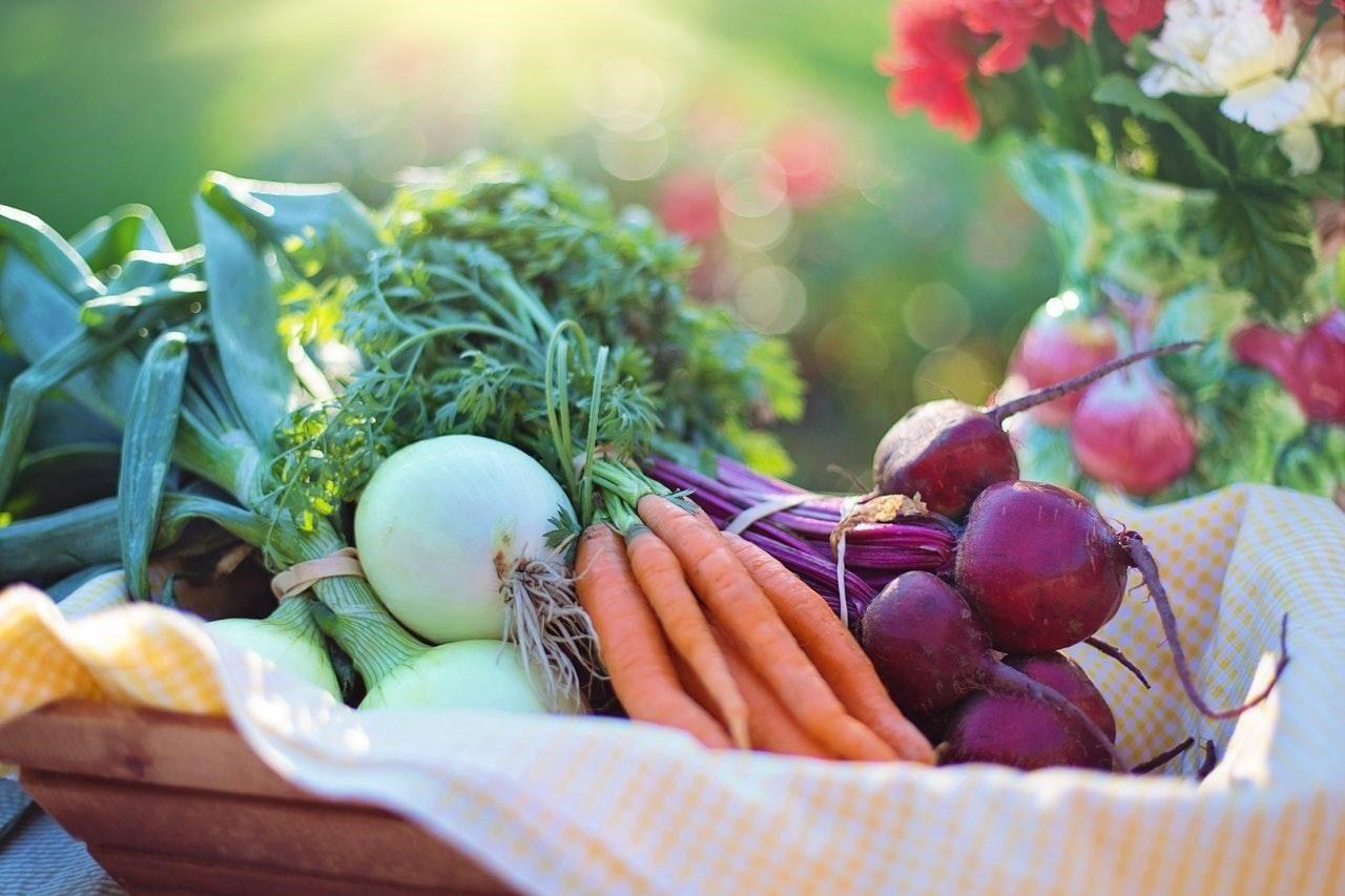 Jak na přirozenější stravování? Stačí kupovat sezónní potraviny!