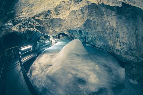 Nejkrásnější jeskyně Slovenska, které musíte tuto sezónu navštívit