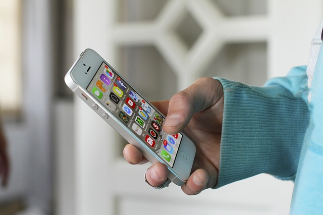 Mobilní aplikace ocení nejen města a obce. Kdo je taky ocení?