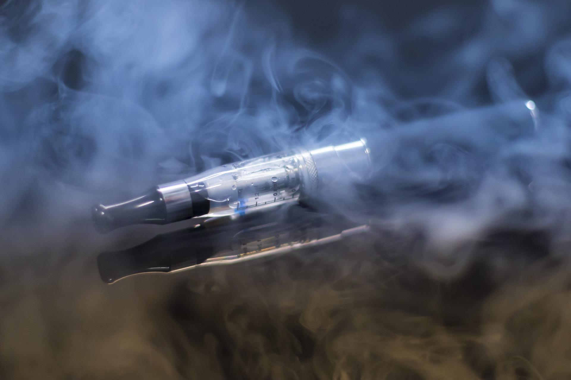 Klasická cigareta vs e-cigareta