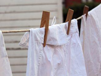 Trápí vás zašlé bílé prádlo? Vyzkoušejte tyto domácí bělicí přípravky