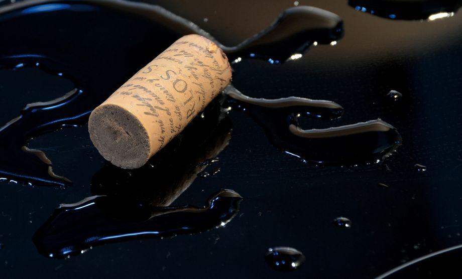 Víte, proč dostanete vrestauraci kočichání korek od vína?