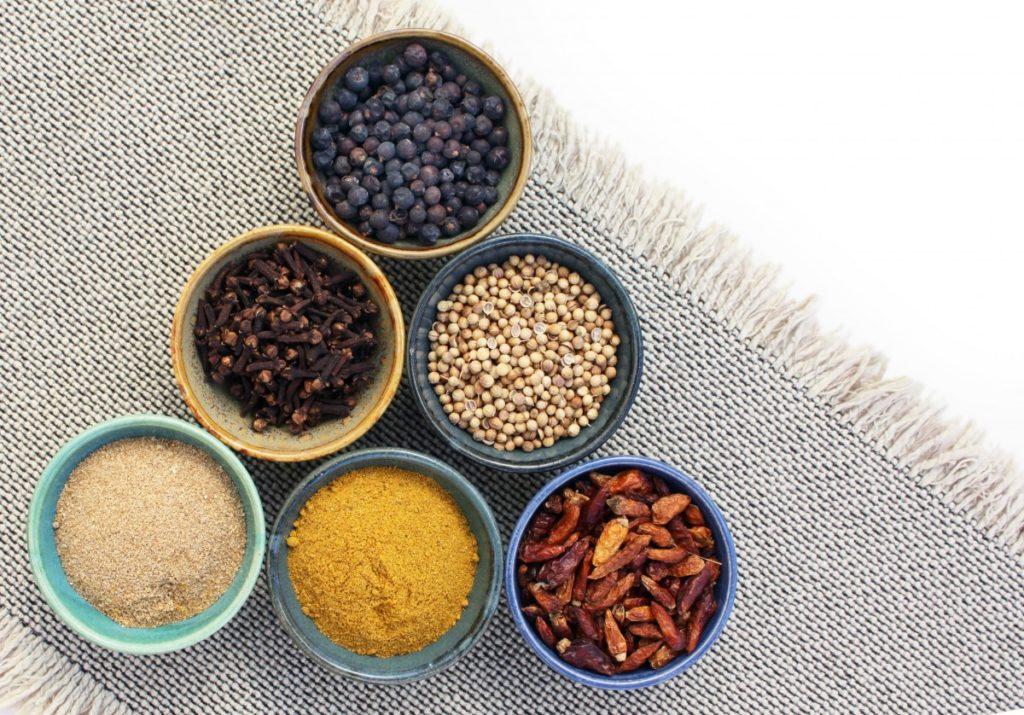 Co se stane vašemu tělu, když jíte kořeněná jídla?